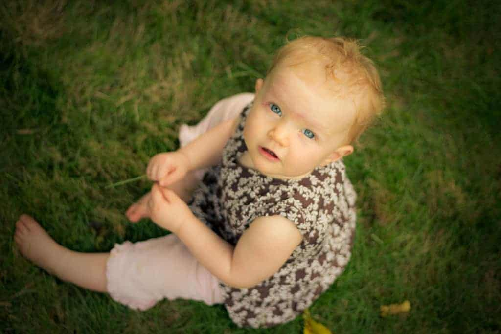 Infant development overview when do babies crawl for What should a 14 month old be doing