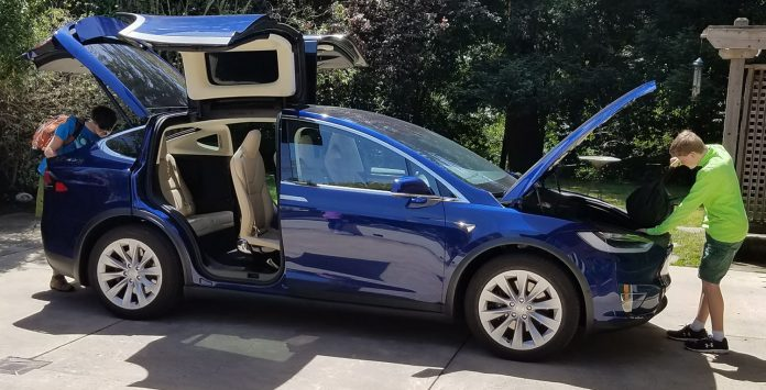 Family loading up their Tesla Model X